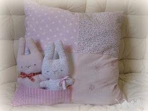 Зайцы в подушке